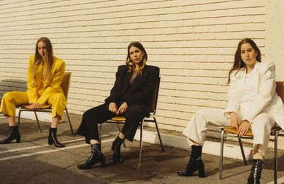 HAIM - SOMETHING TO TELL YOU (NEW ALBUM)