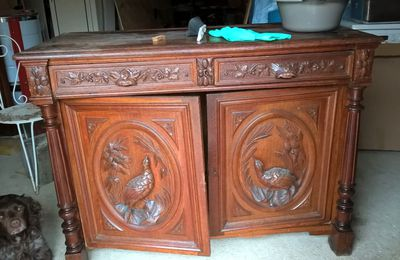 Buffet sculpté repeint