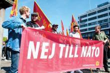 Le PC suédois sur le rétablissement du service militaire en Suède, l'Afghanistan et le combat contre l'OTAN