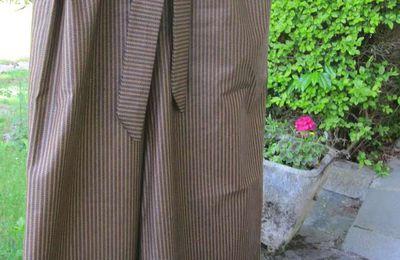 Le pantalon à noeud
