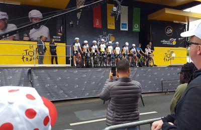Présentation de nos CADETS et JUNIORS au départ de la dernière étape du TOUR 2017 à MONTGERON