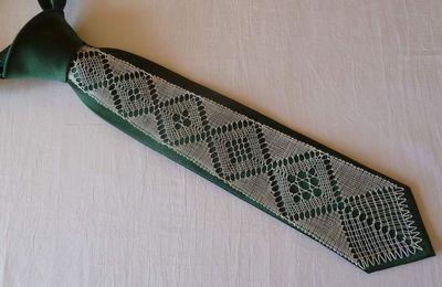 Une deuxième cravate