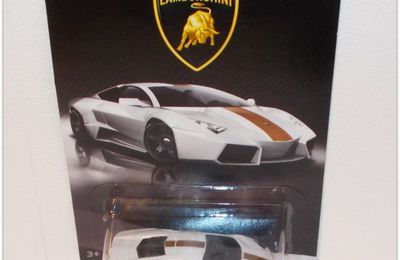 2017 Série Lamborghini  by Hot Wheels.