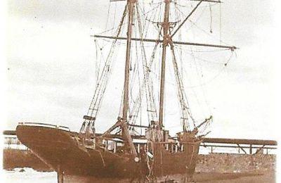 Echouage à la barre de l'Adour en 1901 du DUN DU HELENE.