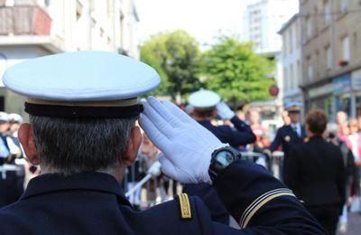 Lorient. La foule est venue admirer le défilé militaire