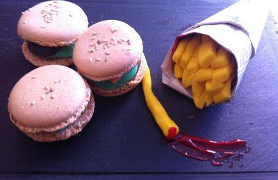 "Macarons ""burger"" chocolat-framboise- hamburger macarons"