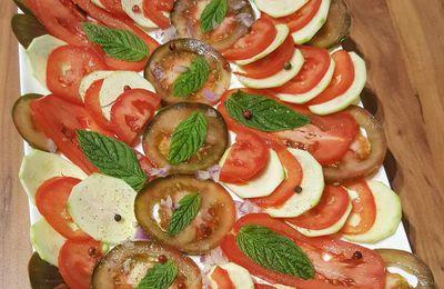 Carpaccio de courgettes et tomates à la menthe