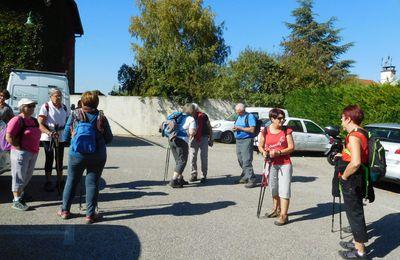 Encore du beau temps pour randonner. Précieux a accueilli les 25 participants de la petite marche. En route pour une superbe ballade de 12 Km.