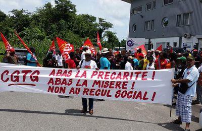 Mobilisation du 12 Septembre : la CGTG était dans les rues de Jarry pour informer les travailleurs sur les conséquences des ordonnances Macron.