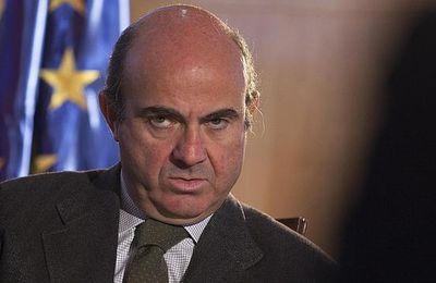 Batiendo records, cada español debe ya 24.500 euros