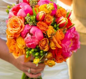 Ide-ide untuk bunga pernikahan dan warna