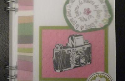 Album vert, rose et violet