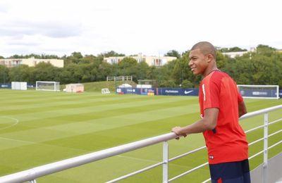 Kylian Mbappé pour son premier entraînement avec le PSG !