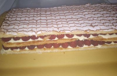 Millefeuille framboise crème diplomate