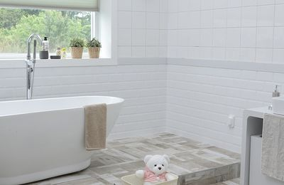 Bathroom Cleaniness : The Step By Step Cleaning Process Of Bathroom