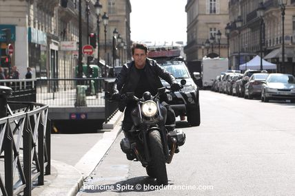 TOM CRUISE tourne MISSION IMPOSSIBLE 6 dans les rues de Paris (avril-mai 2017)