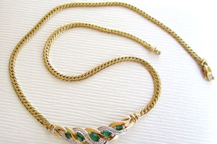 SPLENDIDE COLLIER OR 2 TONS 18 K ( 750 ) / EMERAUDES / DIAMANTS    REF / CH 001