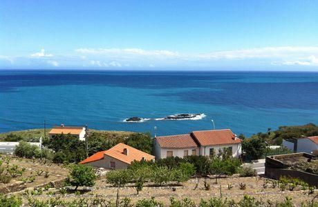 Entre Collioure et Cadaquès, notre appartement pour 4 personnes terrasse vue mer