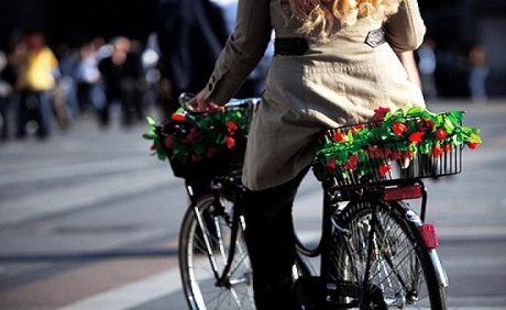 10 regole d'oro per andare in bici in città