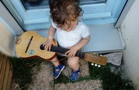 Mon chaton, la musique et la guitare 🎸
