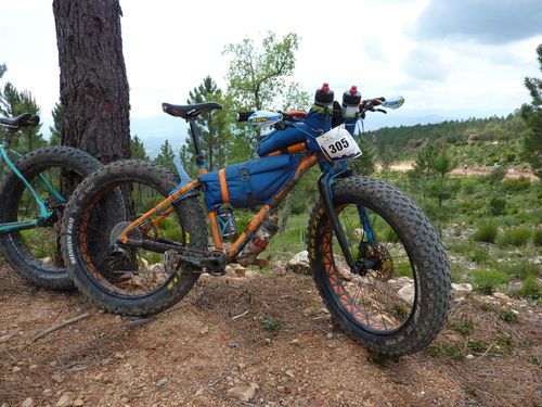 Test matos FAT BIKE bikepacking sacoche ACEPAC sur 100 km du Lachens.