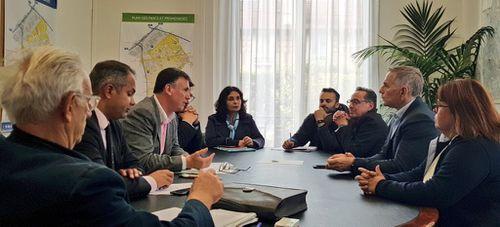 Patrick Vignal, député La République En Marche, salue le dynamisme des commerces à Aulnay-sous-Bois
