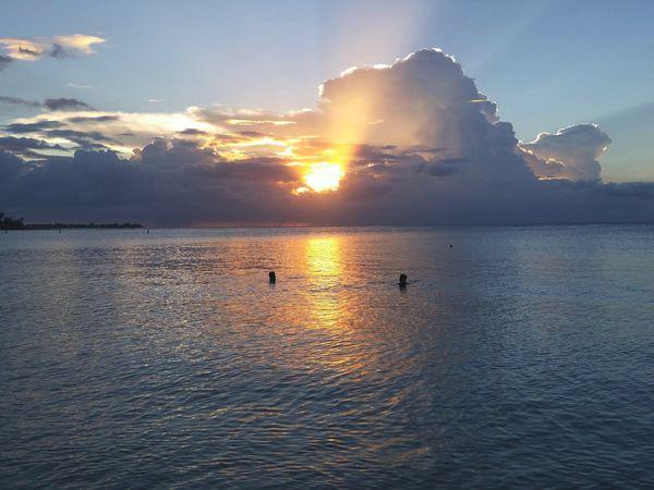 Eau de mer 29° C. hier soir dans le lagon...
