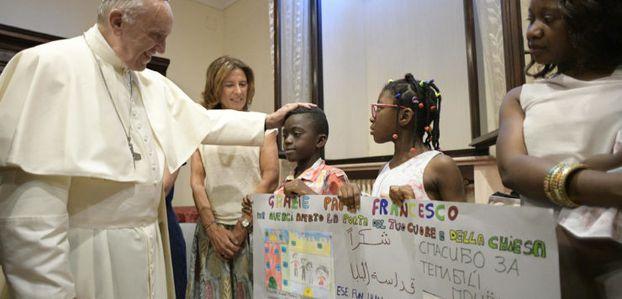 « La fraternité va au-delà la religion », affirme le pape