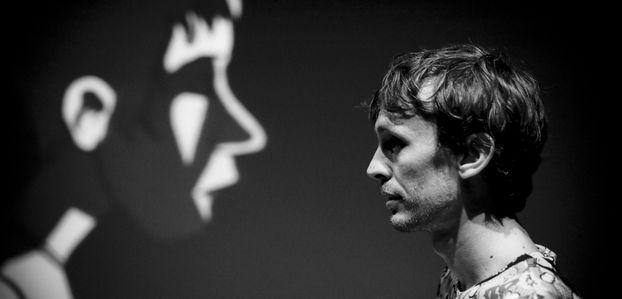 « Qui suis-je ? » : une passionnante ébauche de réponse par Yann Dacosta