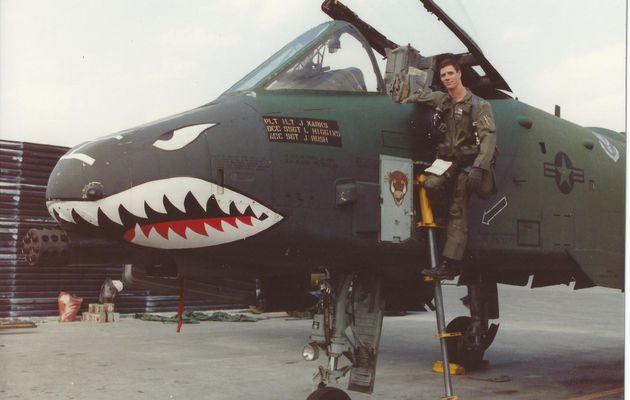 Un pilote de chasse de l'US Air Force comptabilise 6 000 heures de vol sur A-10 Thunderbolt II