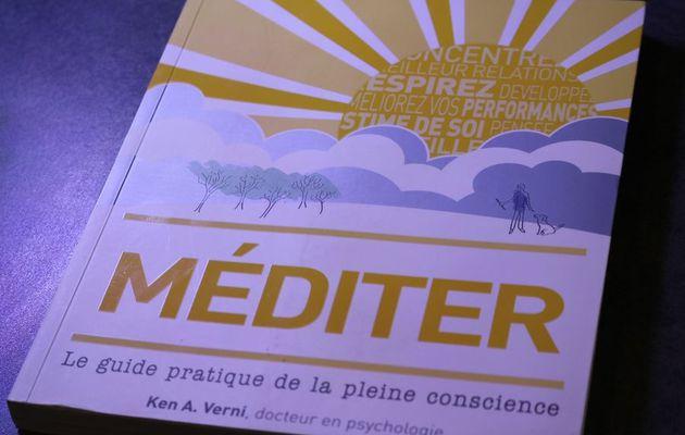 Méditer: Le guide pratique de la pleine conscience de Ken A. Verni, un guide simple et accessible ?