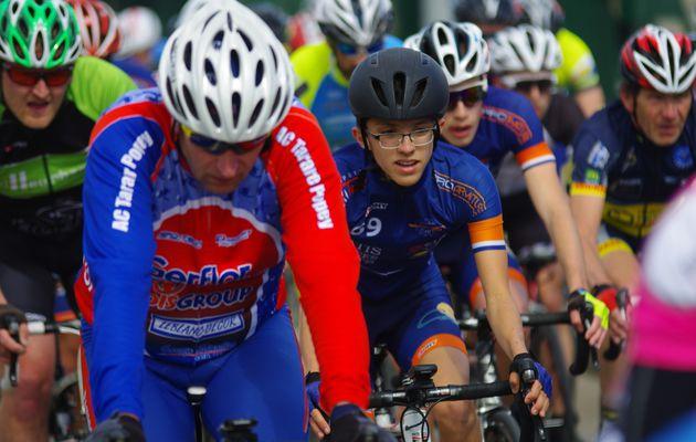 Pas de de muguet pour les cyclistes locaux lors du Grand Prix cycliste FSGT Dalkia -Marcel Houël du VCMB