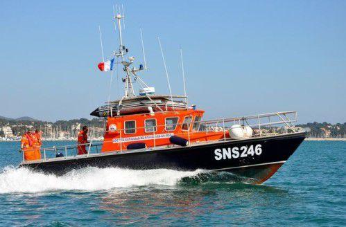 A défaut d'un engagement de l'Etat sur leurs moyens, les sauveteurs en mer SNSM obtiennent un label