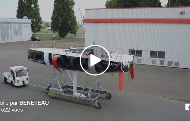 Scoop - toute première vidéo du nouveau Bénéteau Figaro III sortant de son usine nantaise (44)