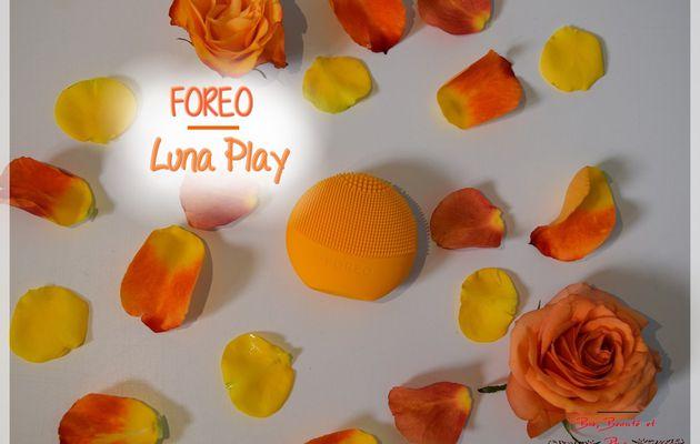 L'accessoire Ultra-Tendance est chez Foreo avec la Luna Play