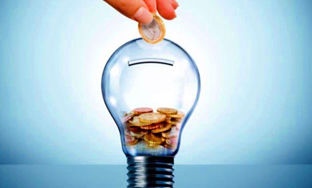Ahorra un dineral en tu factura de la luz con estos consejos.