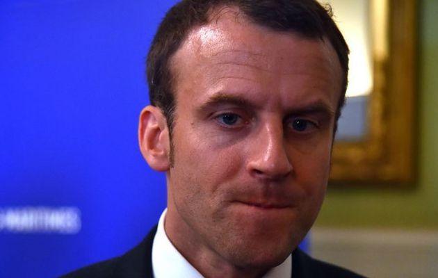 """INFO (Vidéo) E. Macron interpellé pour des propos """"stéréotypés"""" , qu'il a eu sur les jeunes des quartiers populaires en l'occurrence ceux de Stain."""