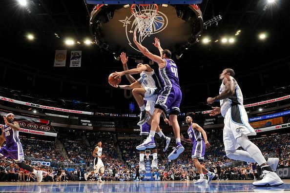 Evan Fournier guide le Magic à Sacramento, Milwaukee fait craquer Indiana, Minnesota surpris par Denver