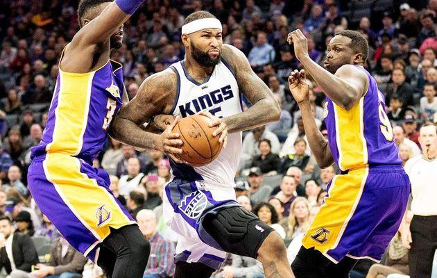 Les Kings font craquer les Lakers