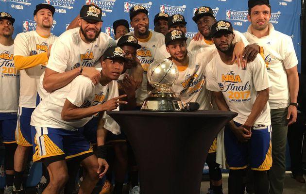 Stephen Curry et Kevin Durant passent le balai à San Antonio et envoient les Warriors en Finales NBA, 3e sweep consécutive
