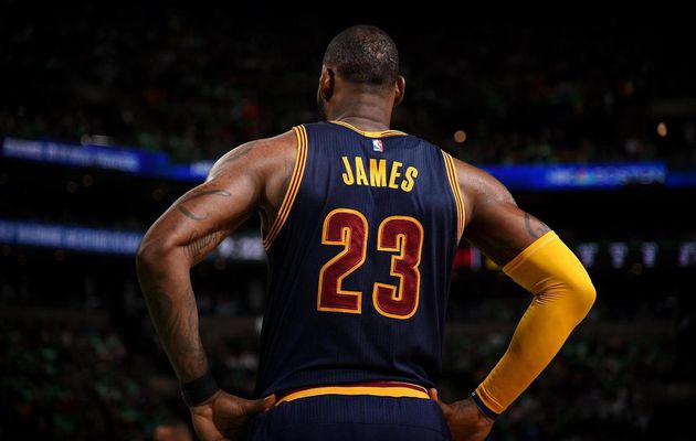 La meilleure action de chaque playoffs NBA de LeBron James