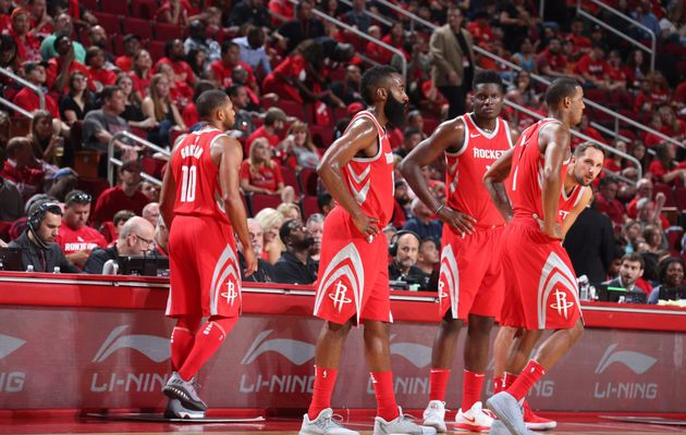 Houston enfonce les Mavericks  dans le derby texan