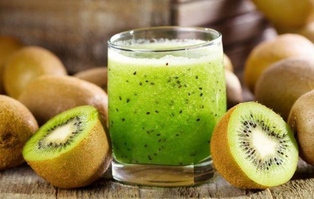 10 Avantages de jus de kiwi pour la santé