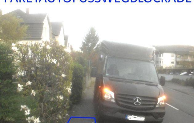 klau|s|ens erkennt das alltäglich die fußwege zuparken der paketdienste als sehr gemein für die rollstuhlfahrer, rollatorfahrer und kinderwagenfahrer – www.klausens.com