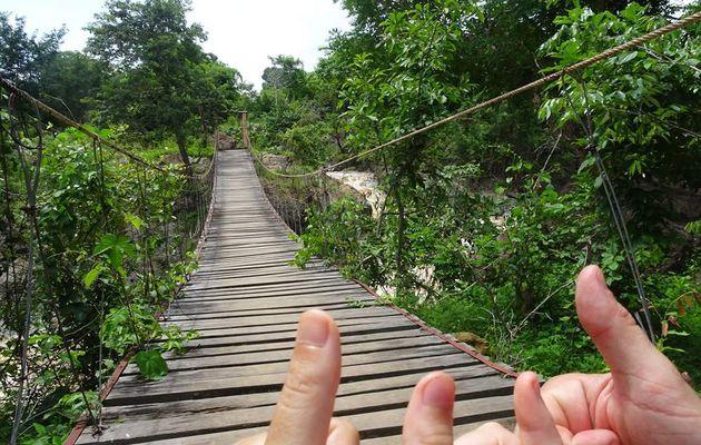 Pour tous les ponts du Laos...