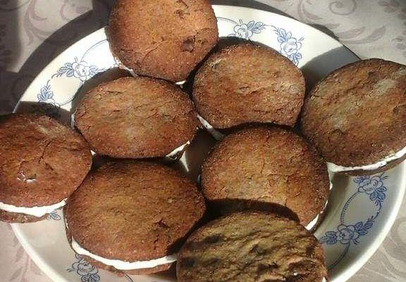 Sablés noisettes-chocolat fourrés à la ricotta