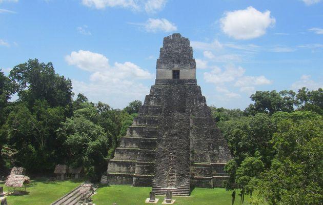 L'île de Florès et la cité de Tikal