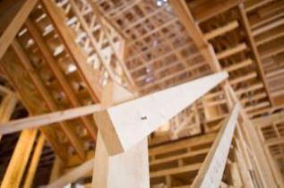 Ossature bois poteaux-poutres pour maison