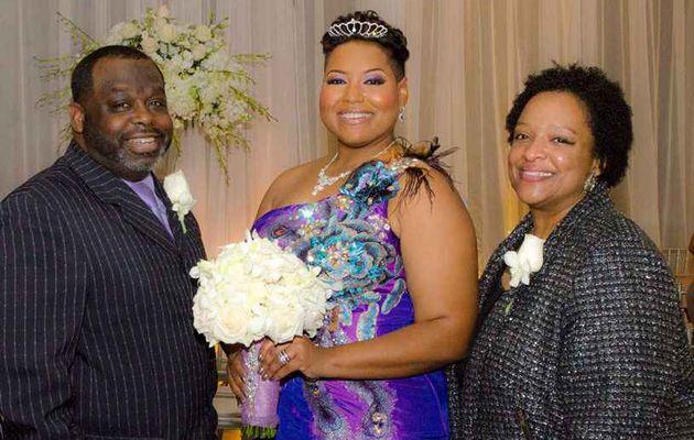 Elle se marie  avec elle même