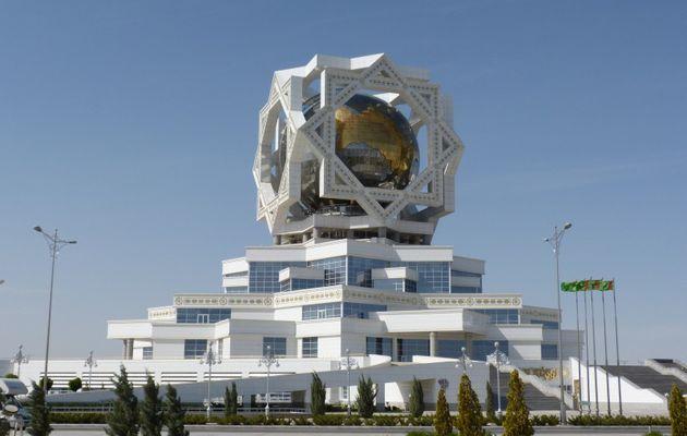 Achgabat, une étonnante capitale